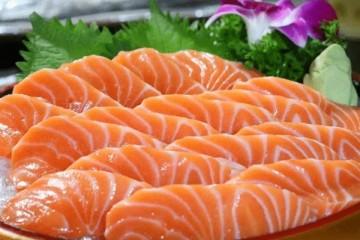 三文鱼案板测出新冠病毒专家三文鱼应无罪但暂时别生吃